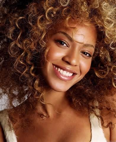 Beyonce Knowles as Izzy